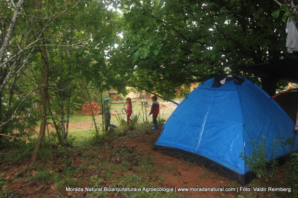 curso de bioconstrução hospedagem camping